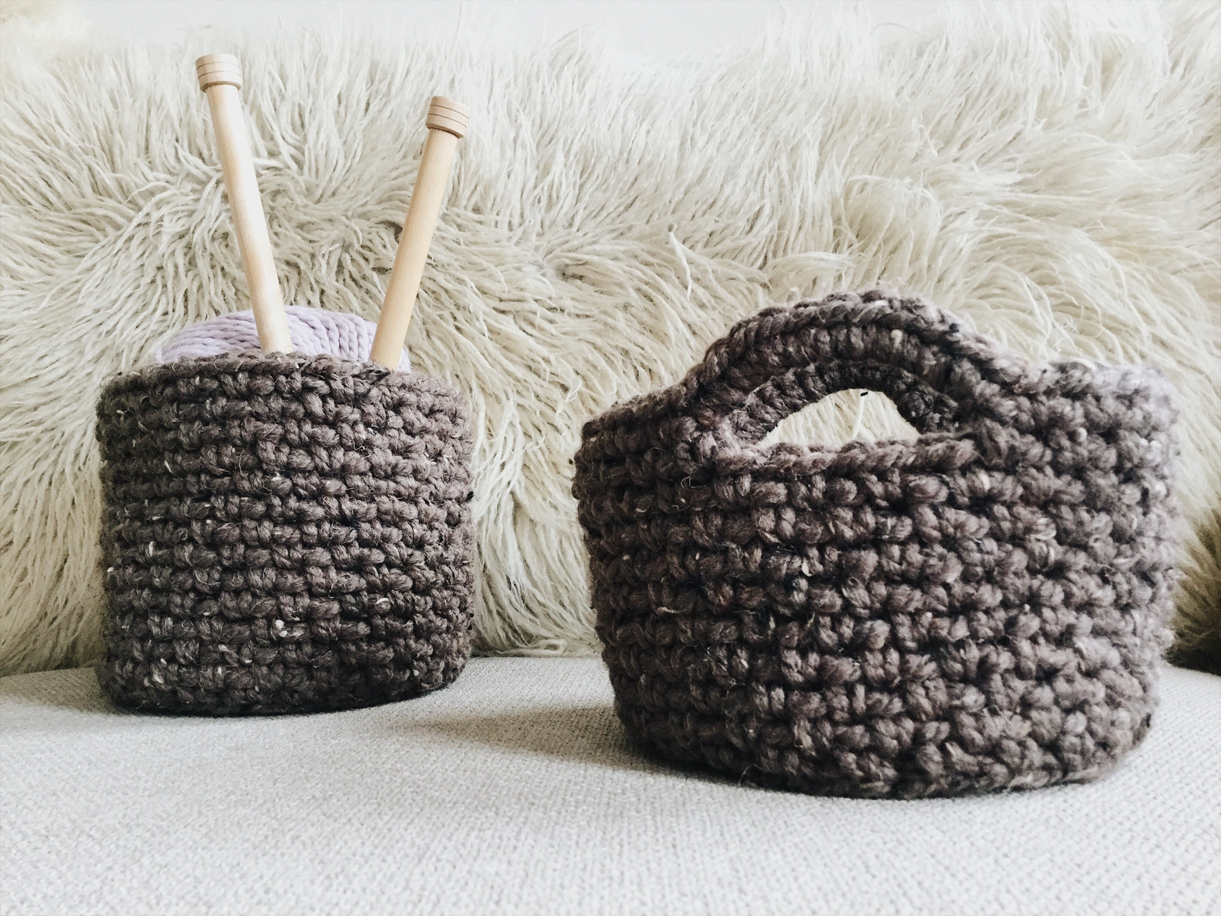 Crochet pattern hanging basket and table basket set
