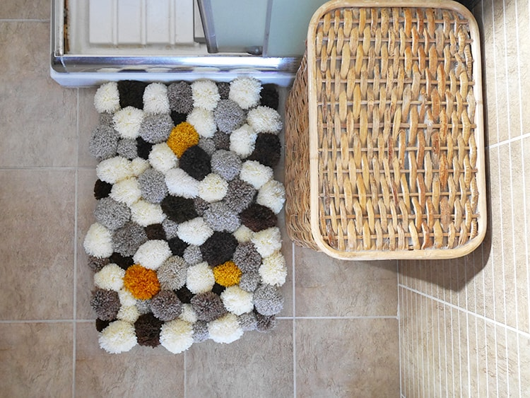 Tips and tricks for a bathroom pom pom rug