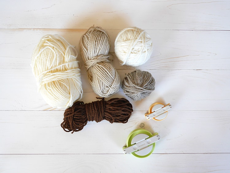 Yarn and pom pom makers