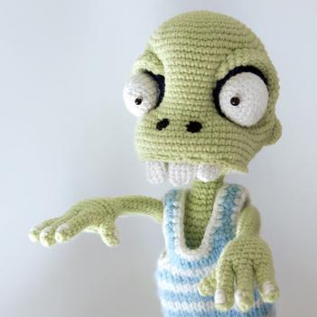 Zombie boy | crochet pattern
