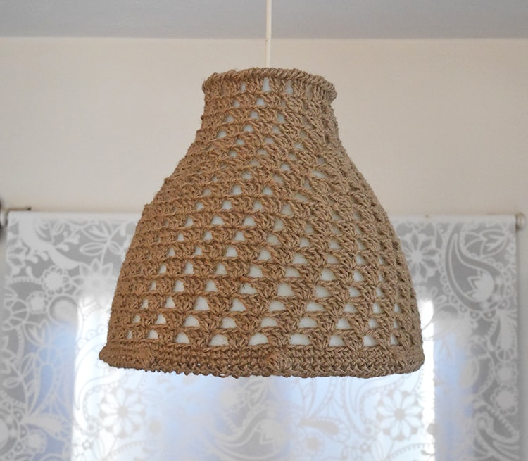 Free crochet lampshade pattern | farmhouse lampshade | ikea makeover
