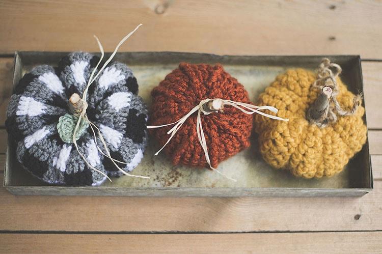 Rustic pumpkins free crochet pattern