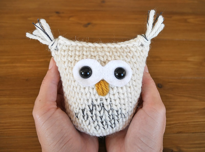 Hedwig the snow owl | Crochet snow owl amigurumi christmas ornament | free amigurumi pattern