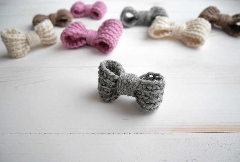Perfect crochet bow - easy crochet pattern - mallooknits com