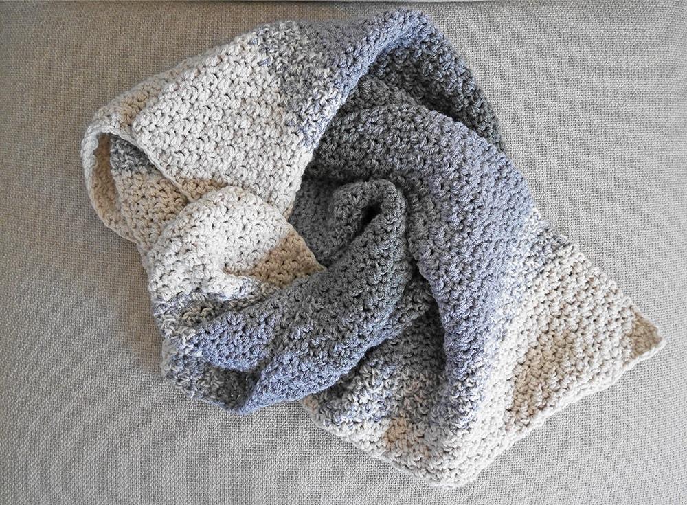 Crochet blanket, throw. toddler blanket.