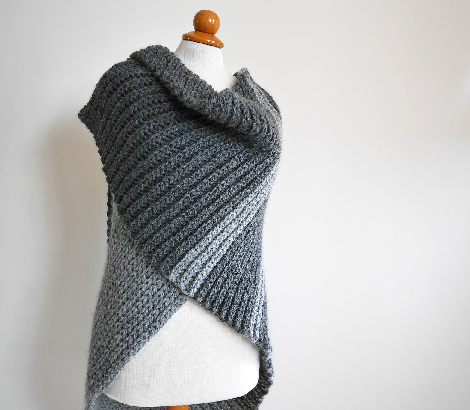 Crochet pattern triangle shawl