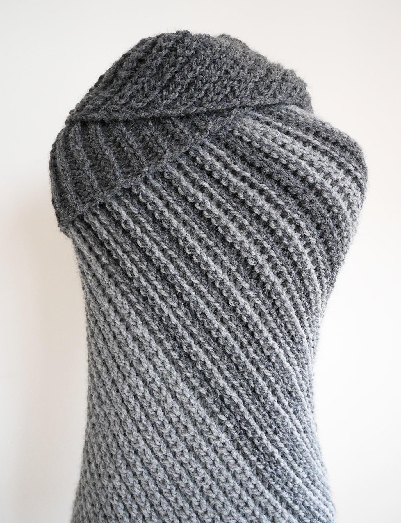 Asymmetrical shawl crochet pattern | triangle crochet wrap pattern