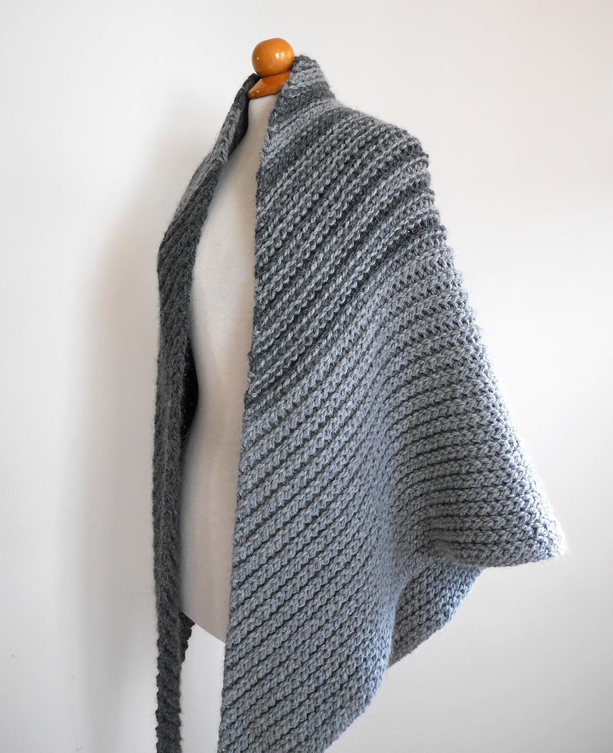 Easy crochet shawl pattern, asymmetrical shawl