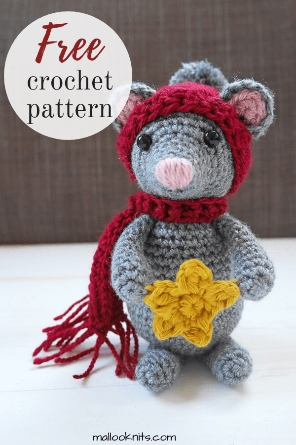 Make this adorable little crochet mouse to give to your little one. There's a Christmas story behind the inspiration of this free crochet mouse pattern. Go to the blog and learn all about it! #crochetmouse #amigurumimouse #freecrochetmousepattern #freeamigurumimouse