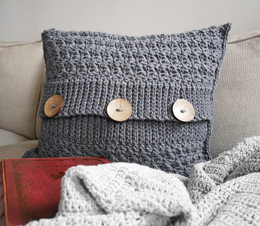 Free crochet pattern pillow cover