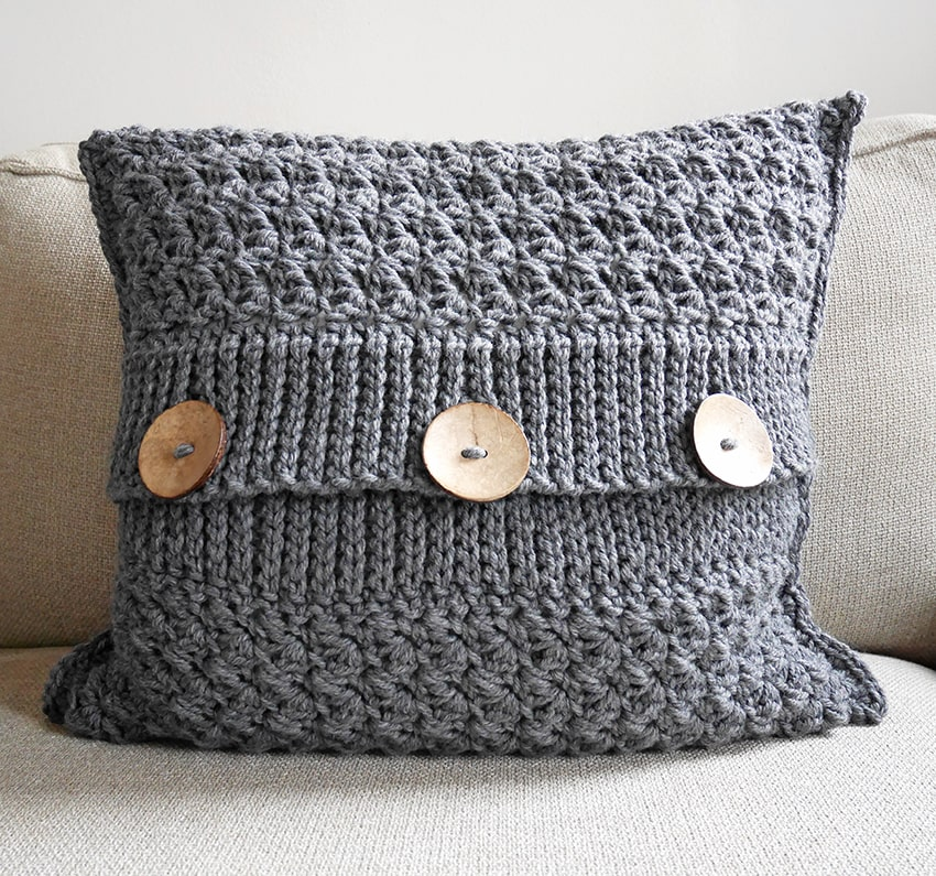 Decorative crochet pillow cover