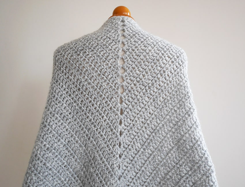 Beginner Triangle Shawl Free Crochet Pattern Mallooknits Com