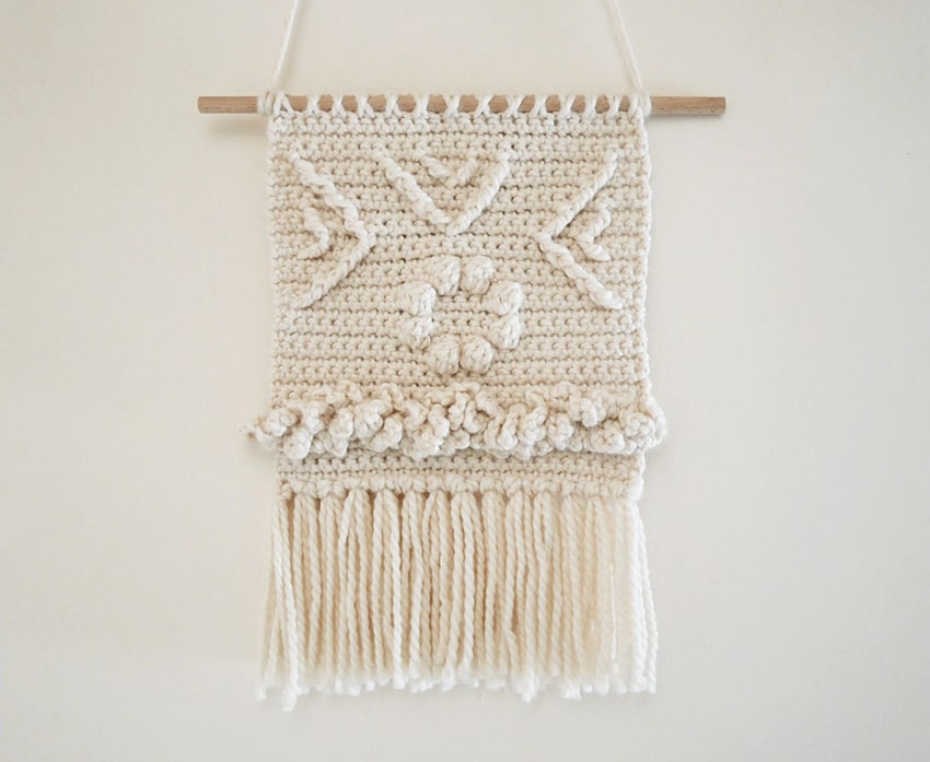 Crochet wall hanging pattern