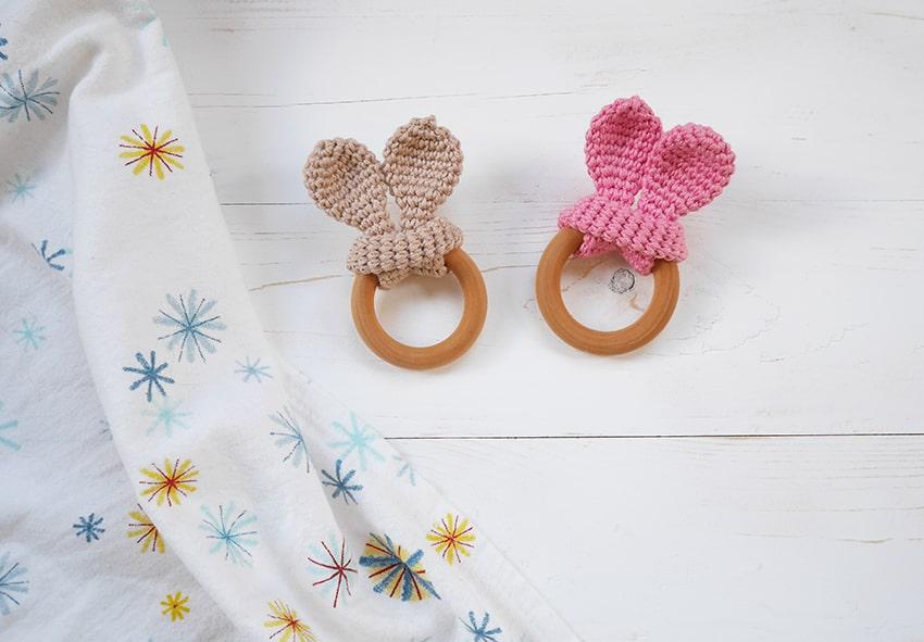 Easy crochet wooden teether