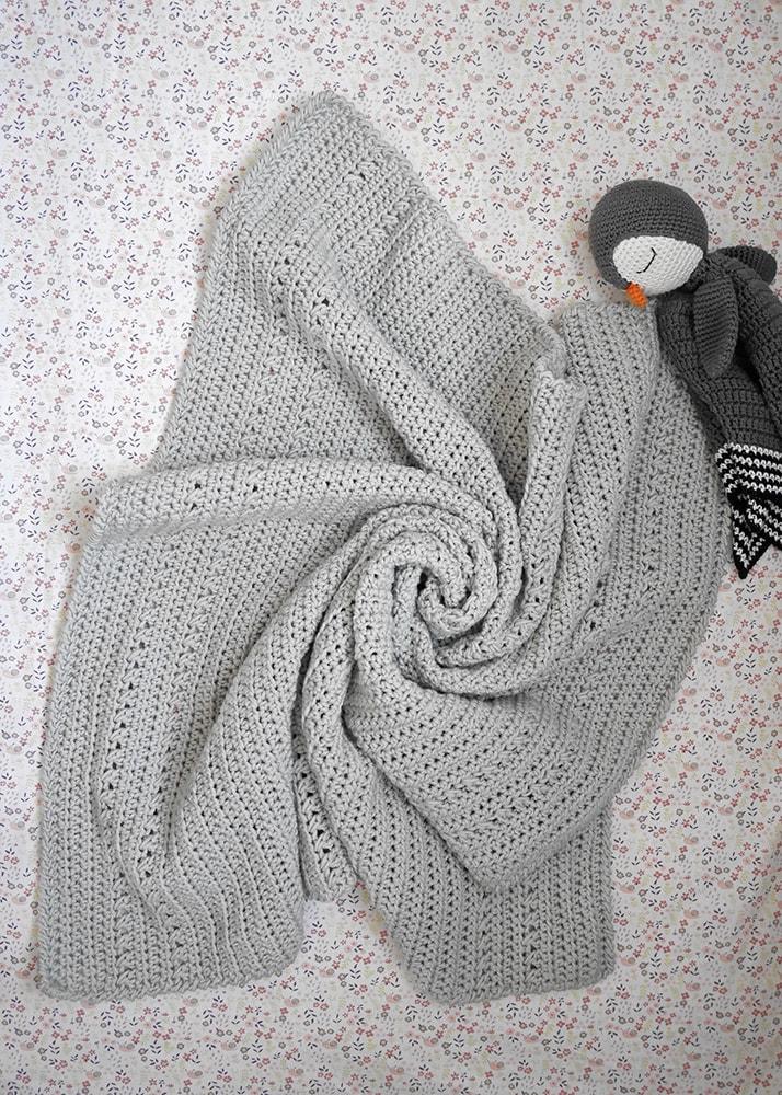 Crochet baby blanket pattern - Finnegan blanket